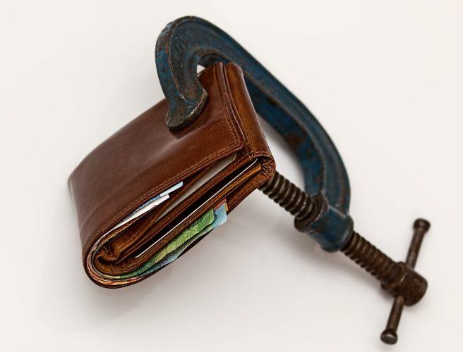 reducir gastos autónomo