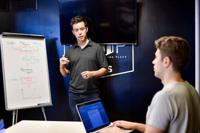 ¿Cómo mejorar el trabajo en equipo en tu empresa?